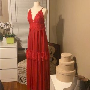 Lulu's red gown SZ small
